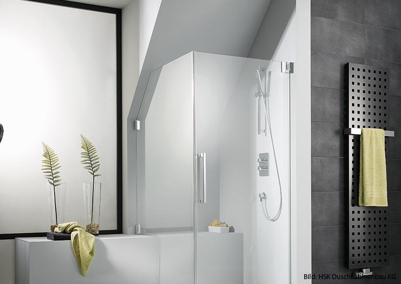 gestaltungstipps f r ein bad mit schr ge a spaniol geb ude umwelttechnik in eppelborn. Black Bedroom Furniture Sets. Home Design Ideas